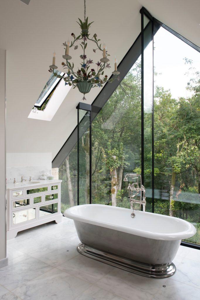 17. Master Bathroom 02